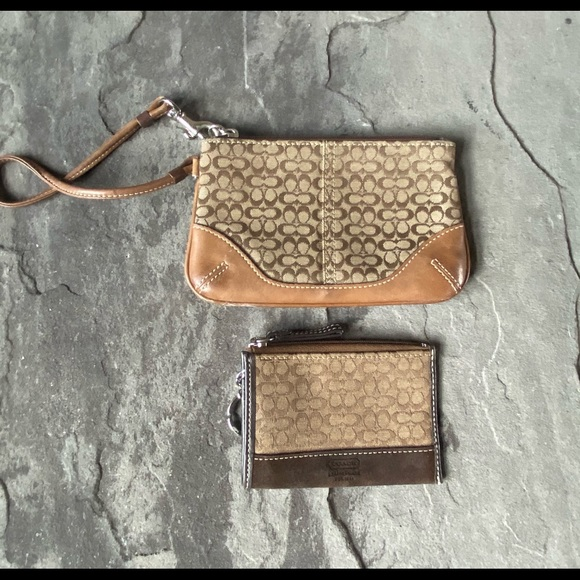 Coach Wristlet and card wallet combo